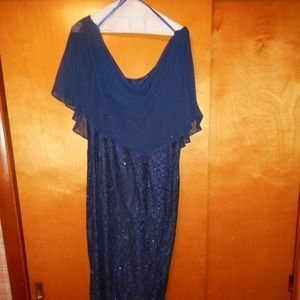 JESSICA HOWARD EVENING GOWN -SIZE 16